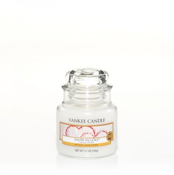 Yankee Candle Duftkerze «Snow in Love» klein (small Jar 104g)