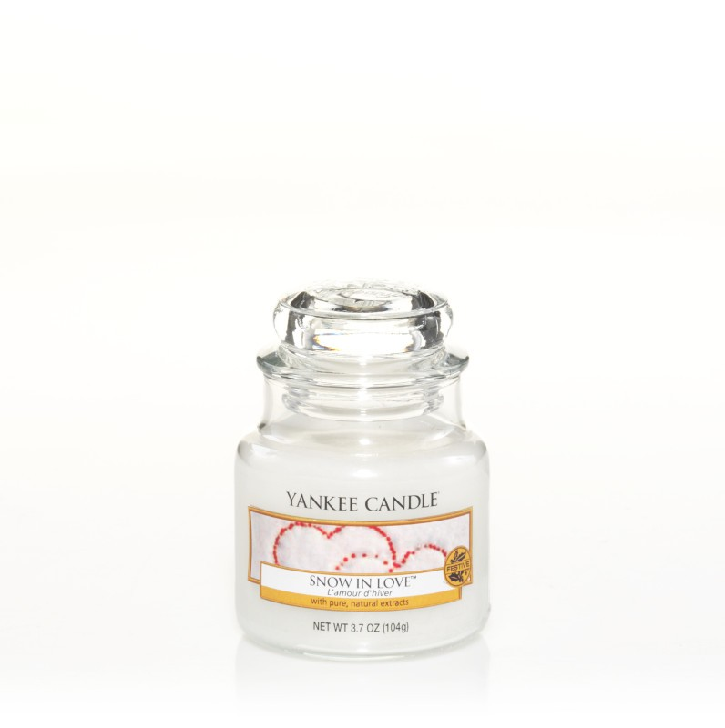 yankee candle duftkerze snow in love klein small jar. Black Bedroom Furniture Sets. Home Design Ideas